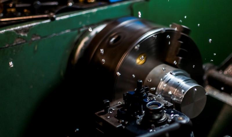 media/image/herstellung-von-fahrzeugteilen1.jpg